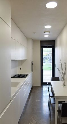 44 Modern Kitchens To Copy Today - Home Decoration Experts - 44 Modern Kitchens To Copy Today interiors homedecor interiordesign homedecortips 44 Modern Kitchen - Easy Home Decor, Home Decor Trends, Cheap Home Decor, Interior Design Boards, Interior Decorating Styles, Narrow Kitchen, European Home Decor, Luxury Homes Interior, Western Style