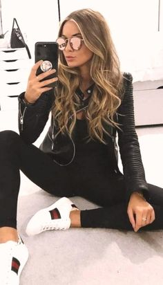 41 Outfits de Moda con Pantalón Negro 31 Looks de moda con Pantalón Negro - Global Outfit Experts Winter Trends, Fall Fashion Trends, Fashion Ideas, Mode Outfits, Fashion Outfits, Womens Fashion, Sexy Casual Outfits, Casual Jeans, Jean Outfits