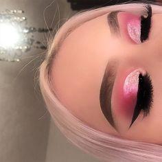 Best Makeup Ideas For Laying Mascara And Eyeliner Pink Eye Makeup, Makeup Eye Looks, Colorful Eye Makeup, Eye Makeup Art, Girls Makeup, Glam Makeup, Pretty Makeup, Eyeshadow Makeup, Makeup Tips