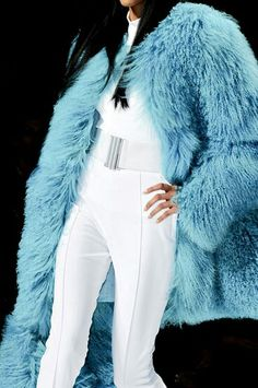 Placid blue fur - Make your day colorful with blue http://www.dubaimexa.com/