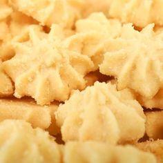 Schneeflocken-Plätzchen Rezept cookies and cream cookies christmas cookies easy cookies keto cookies recipes easy Homemade Christmas Cookie Recipes, Unique Christmas Cookie Recipe, Traditional Christmas Cookies, Vegan Christmas Cookies, Christmas Recipes, Snowflake Cookies, Snowflake Snowflake, Gluten Free Cookie Recipes, Cookies Et Biscuits