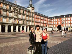 Una fotografía más de Alejandro Speitzer, Minnie West y Érika de la Rosa en Madrid.