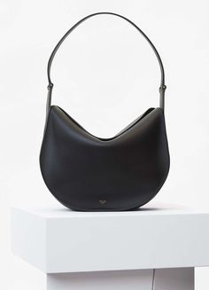 Round Flap Bag in Black Smooth Calfskin - Céline