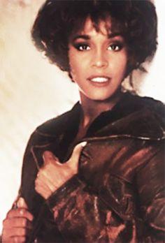Whitney - whitney-houston Photo