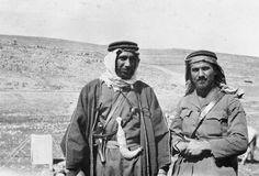 T E LAWRENCE ARAB REVOLT 1916 - 1918 (Q 59556) Sherif Nasir and officer at Shobek (north of Wadi Musa).