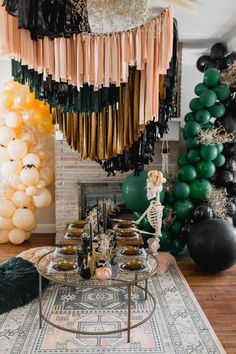 If you're planning to throw the ultimate bash that's stylish and chock full of puns, this boho halloween party inspired by Friends - the show - is perfect! Chic Halloween, Halloween Party Decor, Halloween Kids, Diy Party, Party Ideas, Halloween Balloons, Halloween Witches, Happy Halloween, Halloween Backdrop