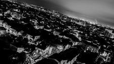 Les toits de #Toulouse depuis les hauts du quartier #Guilheméry.  #Guilheméry est un quartier situé à l'est du centre ville de #Toulouse près du #canal du Midi. Toulouse, Midi, Mount Everest, Centre, Mountains, Nature, Travel, City, Viajes