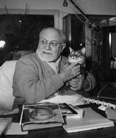 Matisse with his cat, 1948 (?)