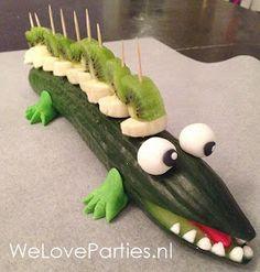 WeLoveParties: Maak een tegekke en gezonde krokodil traktatie...