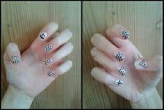 Black & White dots nails