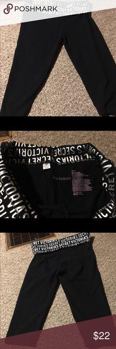 Victoria's Secret legging capris Worn once Victoria's Secret legging capris size XS Victoria's Secret Pants Capris