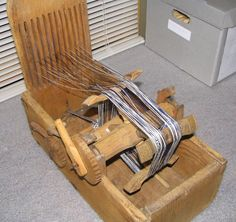 A Woodsrunner's Diary: Weaving on an Inkle Loom.