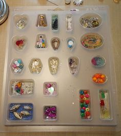 Environmental Technology Inc has two different jewelkery mold trays/cavities. Show you some samples of the many many things you can embed in resin. I often get asked about mold release. Resin Jewlery, Making Resin Jewellery, Gold Jewelry, Resin Jewelry Molds, Diy Resin Crafts, Jewelry Crafts, Resin Tutorial, Resin Charms, Resin Molds