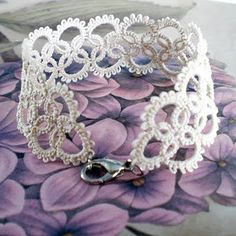 Today I want to show you a lovely tatted lace bracelet I have finished recently. This is the same vintage pattern I used making those. Tatted Bracelet Pattern, Tatting Bracelet, Knit Bracelet, Tatting Jewelry, Woven Bracelets, Bracelet Patterns, Shuttle Tatting Patterns, Tatting Patterns Free, Crochet Patterns