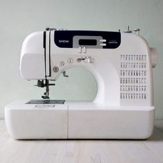 10 consejos para coser como un profesional. – Nocturno Design Blog Sewing Stitches, Sewing Patterns, Bustiers, Diy Bralette, Bralette Pattern, Sewing Shorts, Underwear Pattern, Leather Bag Pattern, Design Blog