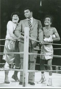 Muhammad Ali, Bob Hope and Sammy Davis Jr. Muhammad Ali Quotes, Muhammad Ali Boxing, Float Like A Butterfly, Sports Personality, Bob Hope, Sport Icon, Sports Figures, African American History, British History