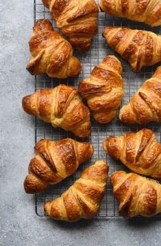 Classic French Croissants 101 Guide - Pardon Your French Food Recipes Healthy, Food Recipes Keto Making Croissants, Homemade Croissants, Bread Recipes, Baking Recipes, French Croissant, French Pastries, Italian Pastries, French Food, French Bakery