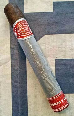 Cigar Dan's Cigar & Coffee Reviews: Romeo y Julieta House of Montague Toro - CheapAshCigar.com