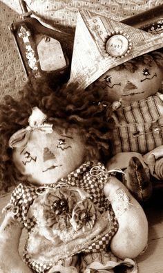 """New Tiny Raggedy Ann and Andy Prim Doll Pattern, """"Friends Forever""""-PDF Version. $10.00, via Etsy."""
