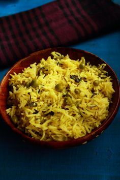 methi matar pulao, how to make methi peas pulao a tasty and easy to make one pot lunch recipe. methi matar pulao is healthy and is cooked in coconut milk.