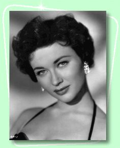 Gia Scala was an Anglo-American actress and model of Italian and Irish descent. Hollywood Icons, Old Hollywood Glamour, Hollywood Stars, Hollywood Actresses, Italian Women, Italian Beauty, Isabelle Adjani, Private Life, Black And White Portraits