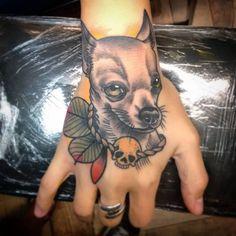 Otros de los tattoo de Luciana! Gracias u a seguir tatuando! Feliz finde para todos ! #alemerlostattoo #timetattoostudio #mitraditattoo #asisonmistattoo #neotraditionaltattoo #dogtattoo #tattooart #art #tattoo #mag #instagood #intagram #tatuajes #tatuandolavida #tatuateydejatedejoder #tatua TIME TATTOO en Olavarría 2831 Casi Garay