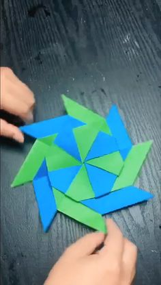 Handmade origami windmill DIY Origami Gifts & DecorationMaster the basics of Origami while giving them purpose Origami Design, Instruções Origami, Origami Butterfly, Paper Crafts Origami, Paper Crafting, Origami Dragon, Origami Fish, Simple Origami, Origami Gifts