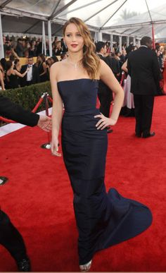 <p>Jennifer poses at the Screen Actors Guild Awards on January 27, 2013.</p>