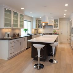Common Goal, Luxury Kitchen Design, Bathroom Remodeling, Project Management, Hgtv, Kitchen Interior, Interior Decorating, Designers, Bob