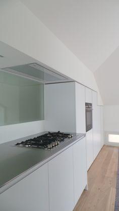 white kitchen 02