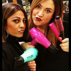 Un mondo di colori con #Parlux  #tiffany o #pink ??  Grazie @graziamanginohair  #parlux385 #parrucchiere #hairspray #instahair #style #phon #asciugacapelli #hairdryer #secador #colours #colors #italy #madeinitaly #instafollow #instagood #colori #gold #hairdressers #parrucchierando #cosmoprof #dryer #follow #followme