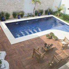 Queria agora mesmo . . . #Curitiba #piscina #casa #porcelanato #paisagismo