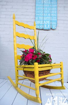Don't throw out your old chairs! It's easy to find a great DIY projects to upcycle any old chairs you might have. For some great ideas, check out these clever DIYs that repurpose old chairs! Outdoor Projects, Garden Projects, Diy Projects, Outdoor Decor, Garden Ideas, Outdoor Mirror, Outdoor Living, Garden Chairs, Garden Planters