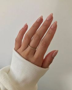 10 Royally Banned Beauty Trends Meghan Markle Can Wear Now: Long Nails Cute Acrylic Nails, Cute Nails, Pretty Nails, Acrylic On Natural Nails, Natural Nail Art, Long Natural Nails, Glitter Nails, Meghan Markle, Hair And Nails