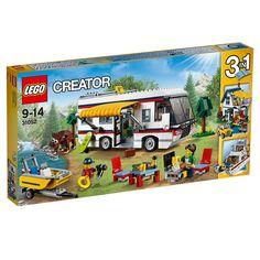 """Viaja e diverte-te com este fantástico set """"3 em 1"""" da <strong>LEGO</strong> Creator! Conta com uma espetacular autocaravana com tudo o que precisas para desfrutar das férias perfeitas: um interior de luxo, com casa de banho, cama de abrir e fechar, cozinha, sofá e TV. Desce a mesa de abrir e fechar e as cadeiras do teto da autocaravana, abre o toldo e desfruta tranquilamente do churrasco. Depois, vai a dar um passeio no barco a motor, vê se consegues avistar ursos, ou estuda o mapa e…"""