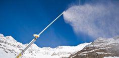 Die Schneilanze versprüht feinsten Pulverschnee. ©TechnoAlpin #mountaintalk Techno, Mount Everest, Snow, Mountains, Nature, Travel, Fake Snow, Naturaleza, Viajes
