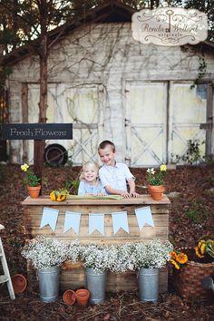 Ronda Wollard Originals » Blog - Fresh Flower Stand Children's Mini Sessions  - siblings