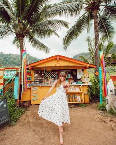The cutest little smoothie and coffee shack to ever exist🌴☀️