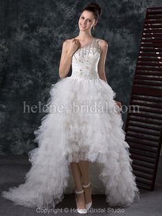 Organza cheap wedding dress.   Visit a wide collection of similar dresses at http://www.dream-weddings-in-italy.com/dream_wedding_in_italy_bridal_short_dresses.php