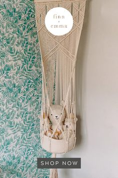 Macrame Projects, Sewing Projects, Crafts For Kids, Diy Crafts, String Crafts, Toy Basket, Macrame Design, Macrame Knots, Macrame Patterns
