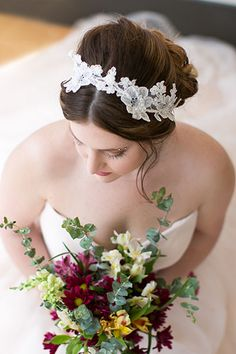 Love all things lace? We can't stop swooning over Molly's headband by Veil Trends & Revel, which she purchased from Love Struck Bridal Boutique.