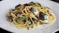 Spaghetti with sardines and pine nuts | Piatti italiani – Italian food