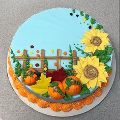 Cake Decorating Tools For Beginners - Halloween Cakes - Beginners cake cakes decorating Halloween Tools 703617141768613680 Cake Designs For Boy, Sheet Cake Designs, Simple Cake Designs, Fondant Cakes, Cupcake Cakes, Fall Birthday Cakes, Foto Pastel, Buttercream Cake Designs, Thanksgiving Cakes