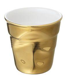 """Kubek """"gnieciony"""" do espresso – GOLD FEVER - Revol."""
