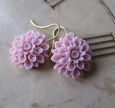 I bought these Chrysanthemum Flower Earrings in pink! I love them - Jamie