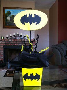 Batman party For Sarayah Lego Batman Party, Superman Birthday Party, 6th Birthday Parties, Superhero Party, Birthday Fun, Party Themes For Boys, Baby Shower, Batman Mask, Batman Cakes