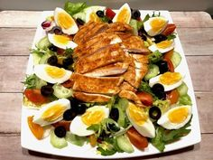 Sałatka nicejska z kurczakiem - Blog z apetytem Cobb Salad, Blog, Recipes, Recipies, Blogging, Ripped Recipes, Cooking Recipes, Medical Prescription