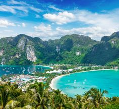 Traveling on a budget? Well, you're certainly not alone. Discover these great low-budget places to travel, where you can spend as little as $15 a day!  15. Thailand Thailand is very similar to Malaysi
