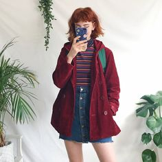 moda i know this probably isnt THAT (or but it vaguely gives me stranger things vibes so idc lolol Hipster Outfits, Retro Outfits, Mode Outfits, Vintage Outfits, Casual Outfits, Vintage Fashion, 80s Inspired Outfits, Teen Outfits, Vintage Clothing