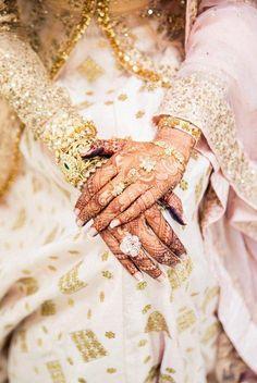 Cocktail RIng - Karan & Avani wedding | Real Wedding | WedMeGood Flower shaped cocktail ring #wedmegood #cocktailring